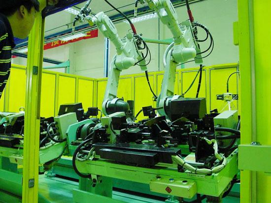 双机器人工作站